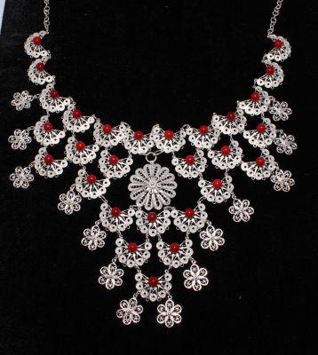925 Ayar Gümüş Mercan Taşlı Çiçekli Telkari Kolye