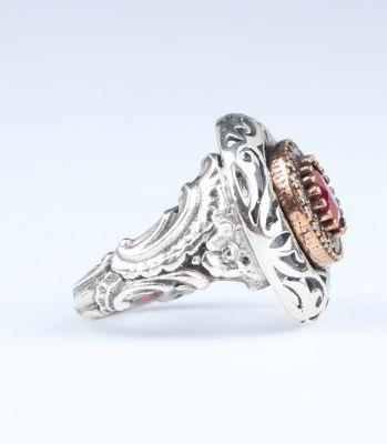 925 Ayar Gümüş Yakut Taşlı Desenli Yüzük